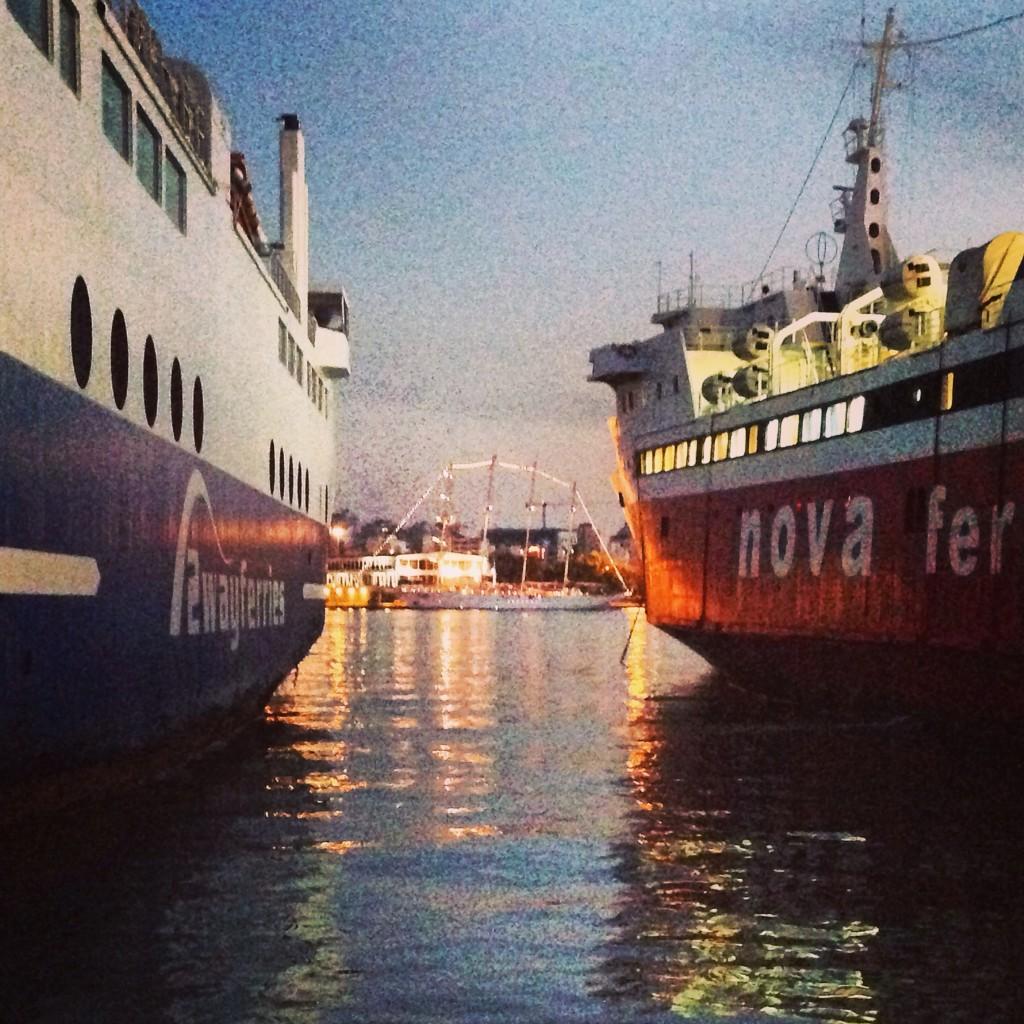 83. Le port du Pirée accueille 20 millions de passagers par an