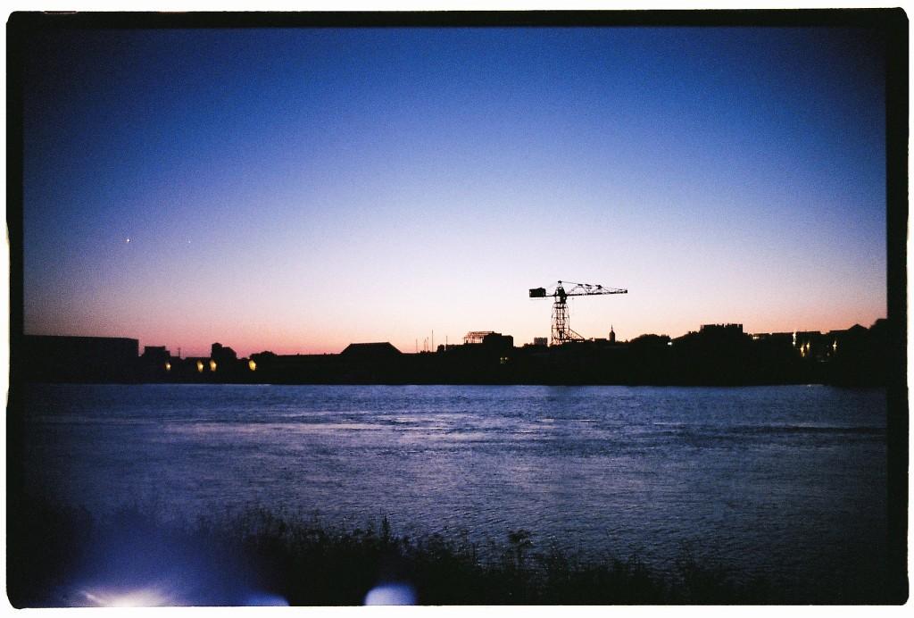 Trentemoult sur les bords de Loire au bord de la nuit