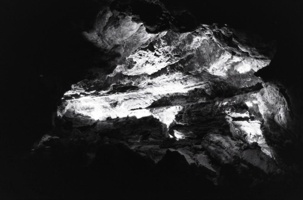 Une des nombreuses grottes volcaniques de Lanzarote
