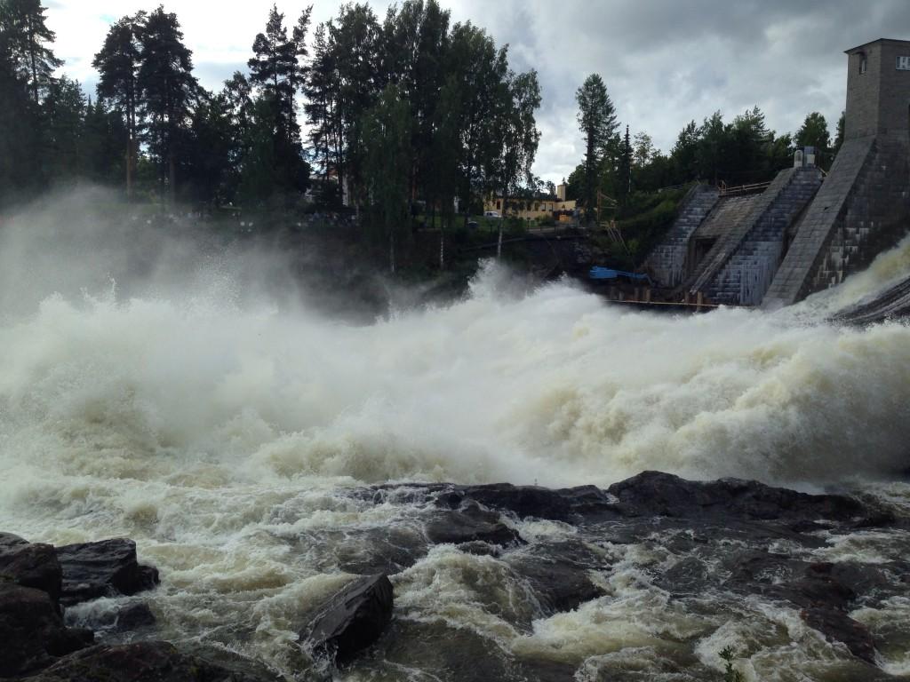 28. Lâcher d'eau au barrage d'Imatra de juin à août tous les jours à 18 heures