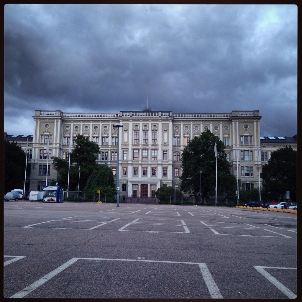 42. Helsinki sous les nuages