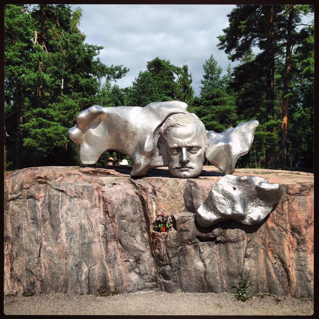Hommage à l'artiste 45. Sibelius situé dans le parc éponyme
