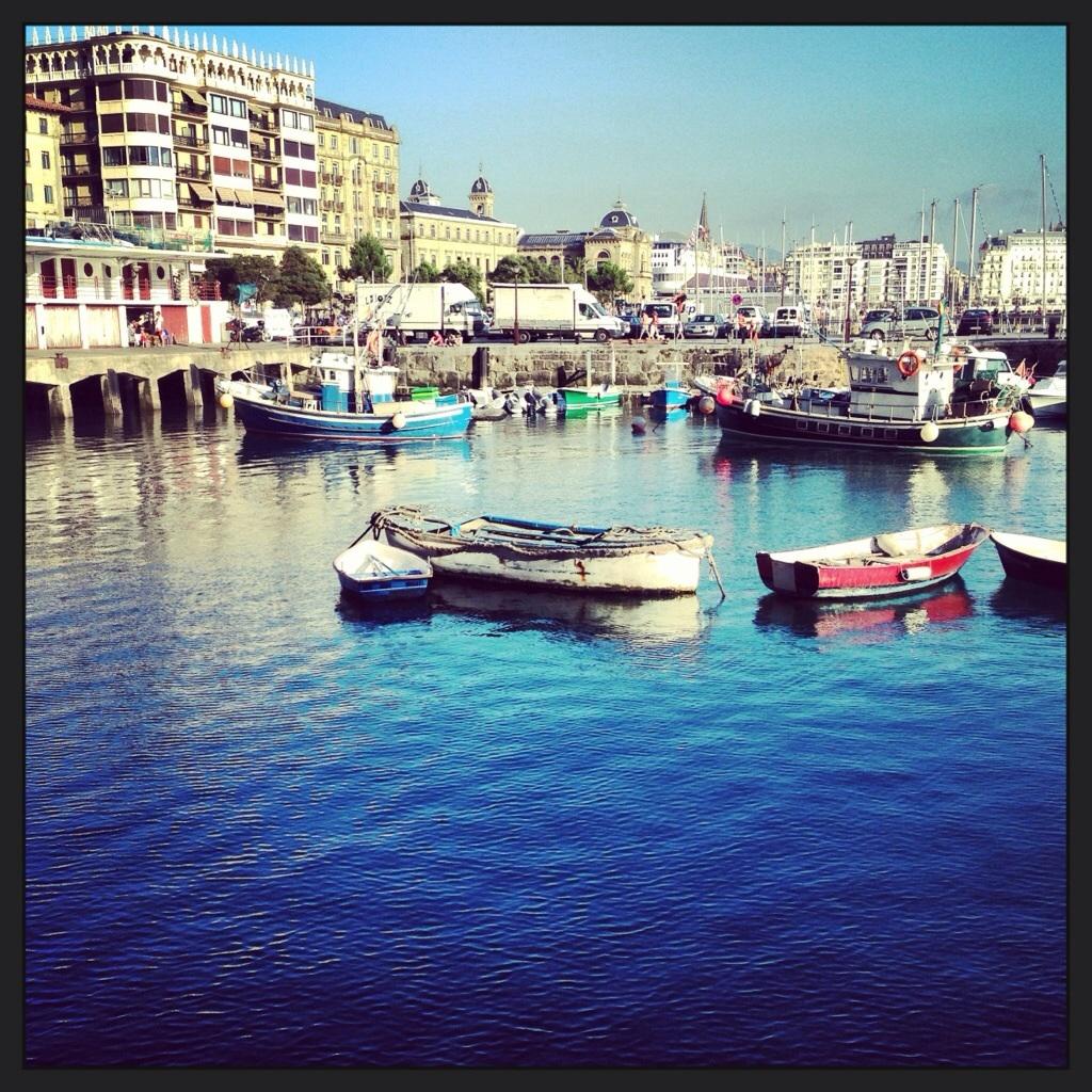 Le petit port de San Sebastian, Pays Basque espagnol