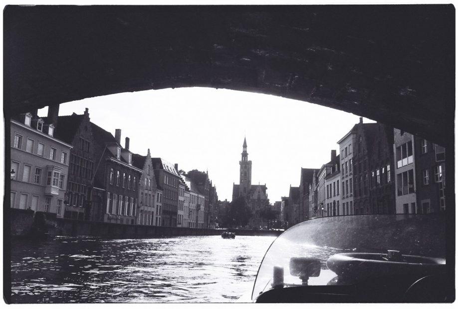 Bruges, sur les canaux, la petite musique vénitienne se met en marche