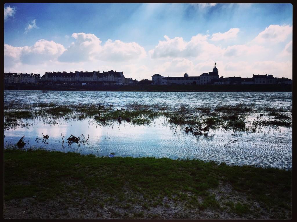 La Loire traversant la ville de Blois