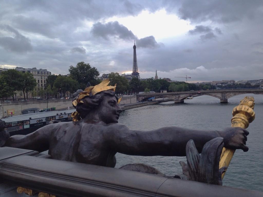 La Tour Eiffel vue depuis le pont Alexandre III