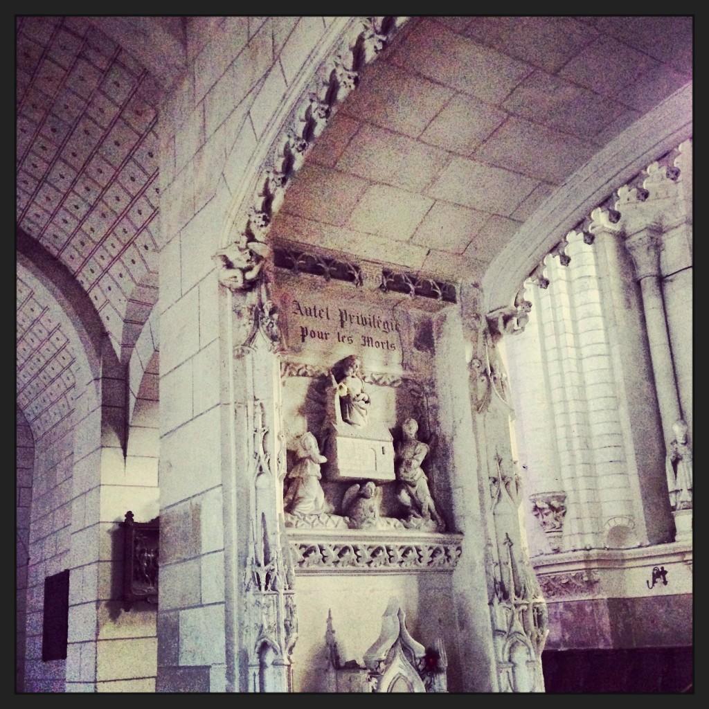 La splendide collégiale Saint-Ours