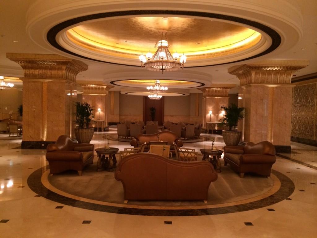 Les salons luxueux de l'Emirates Palace