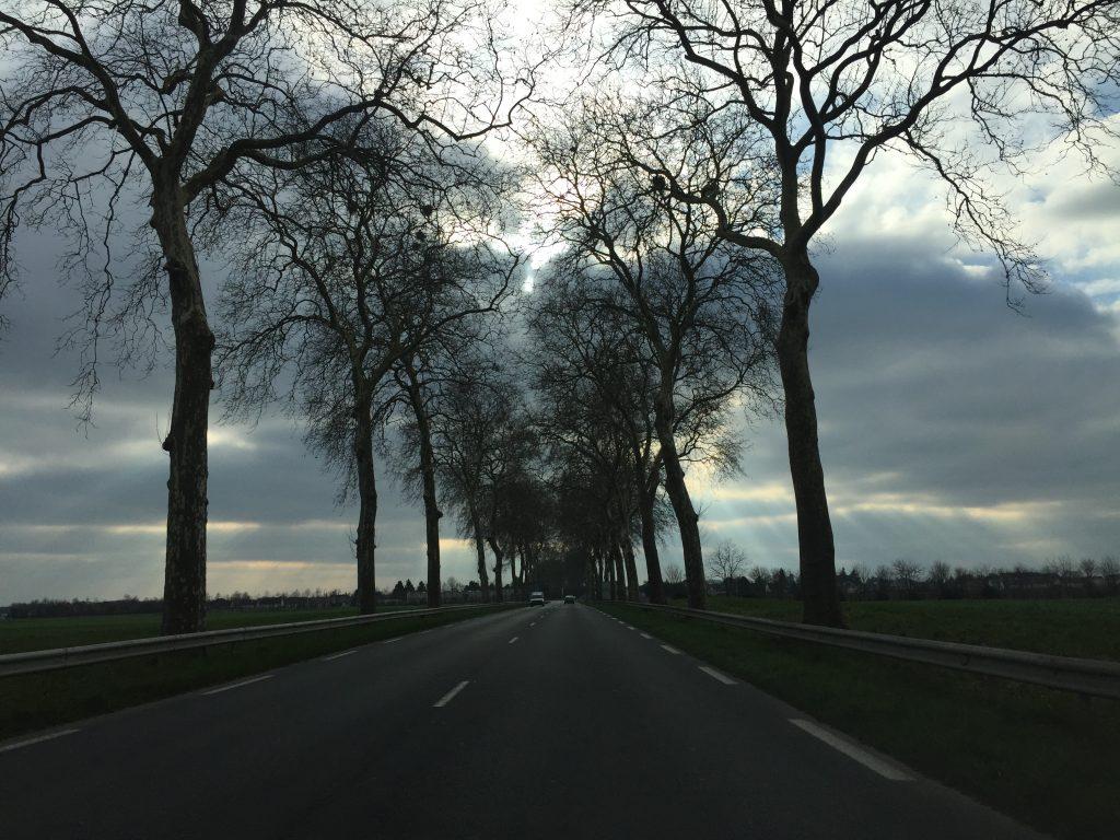 Sur les routes des châteaux de la Loire un peu avant le domaine de Chambord