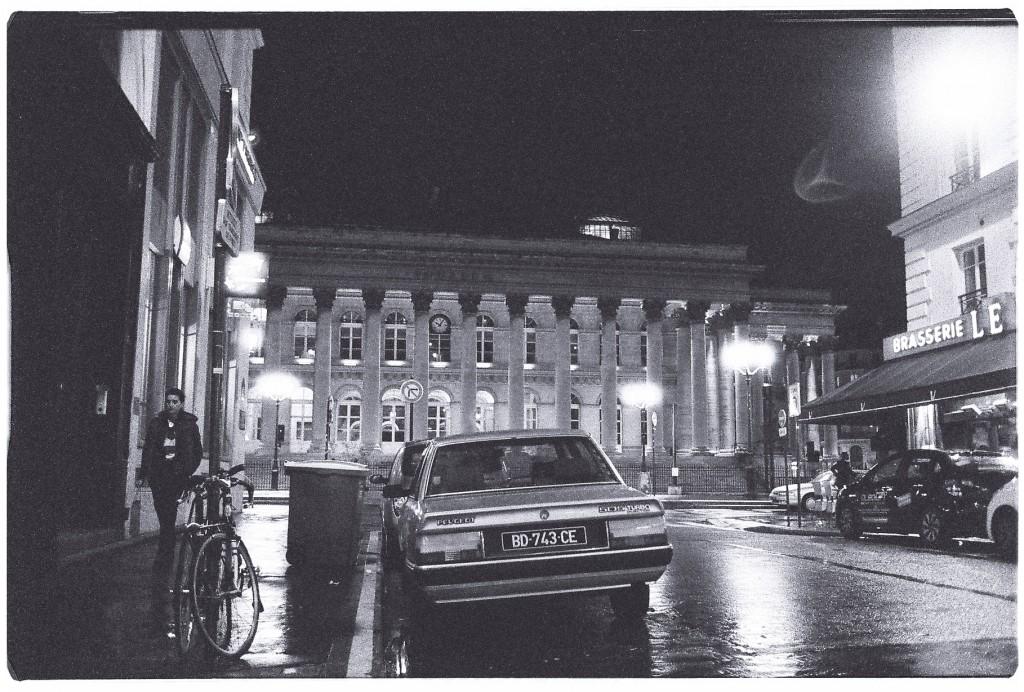 Vue sur le Palais Brongniart la nuit