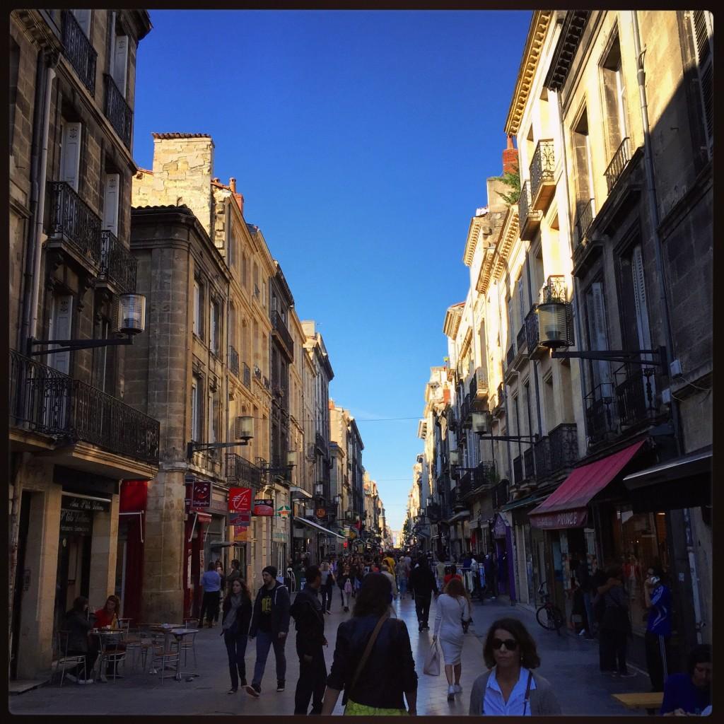 La rue piétonne la plus longue de Bordeaux: la rue Sainte-Catherine