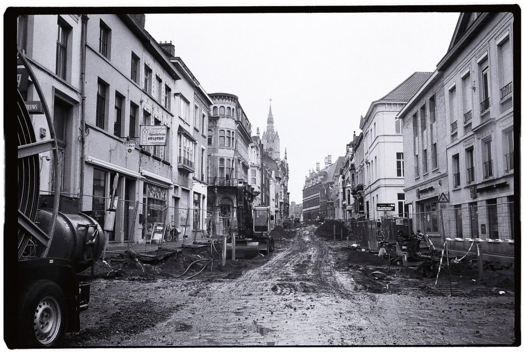 Travaux de terrassement dans l'une des rues de Gand