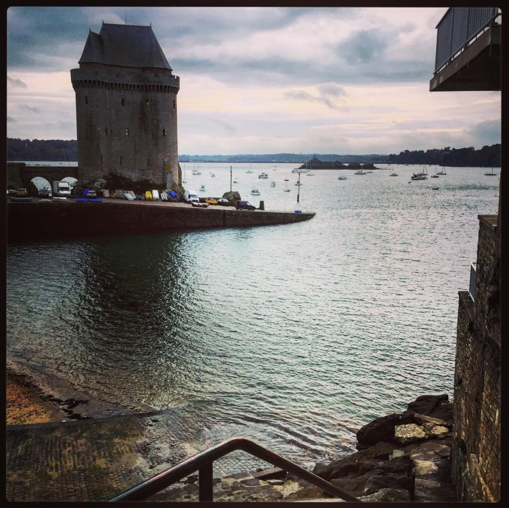 Saint-Malo abritée des vents et de la houle