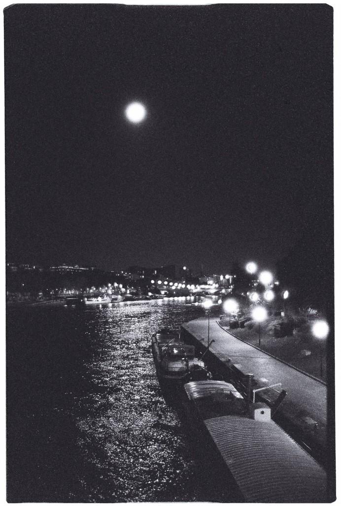 Les quais au clair de lune