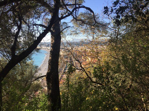 Balade dans le parc du château à Nice