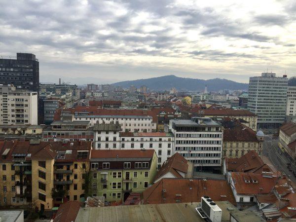 Une vue depuis le bâtiment le plus haut de Ljubljana