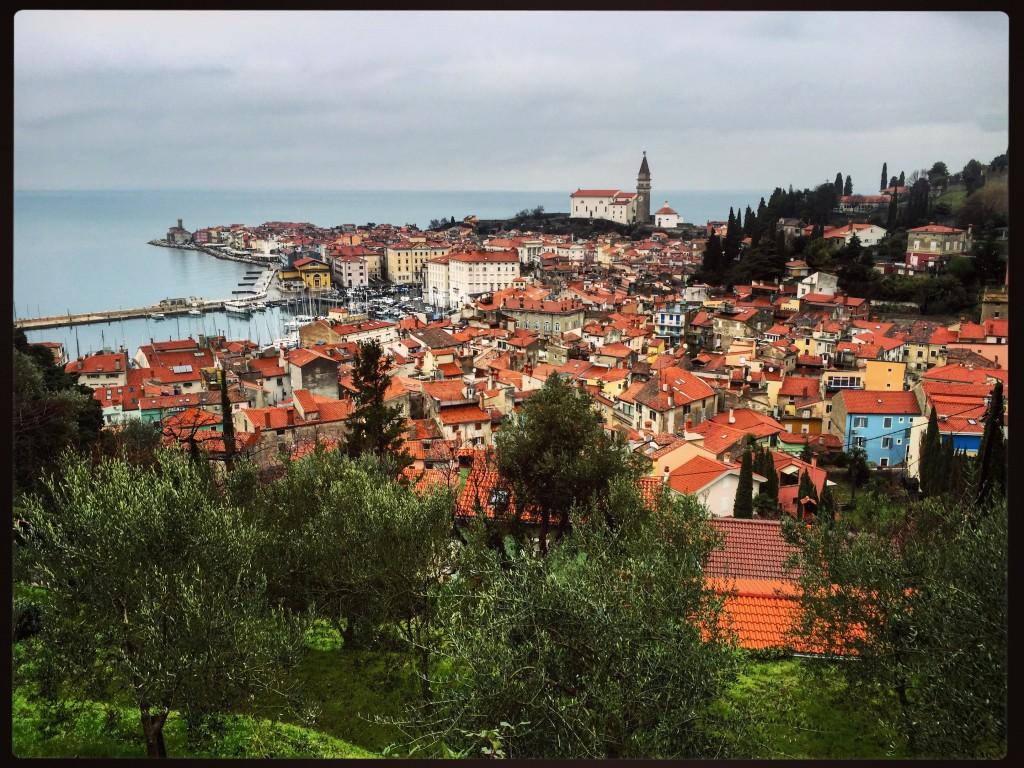 Vue de Piran depuis les hauteurs de la ville