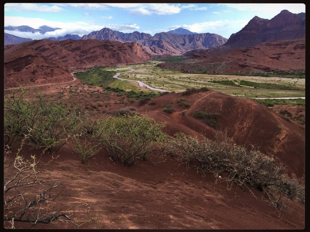 Le fleuve de la vallée de Cafayete - El Obelisco - Las tres cruces