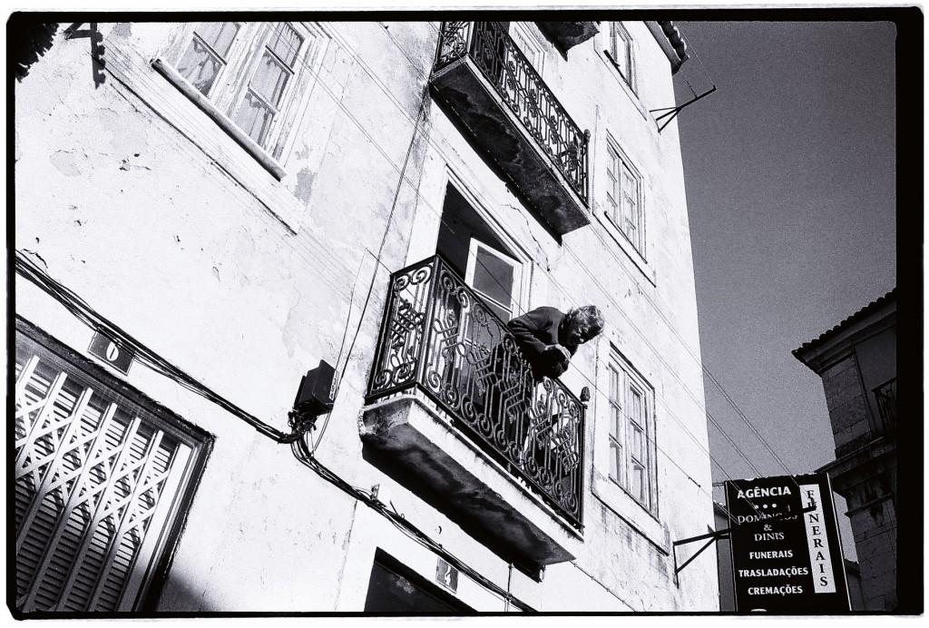 Une locataire de la ville de Lisbonne, la vie passe si vite...