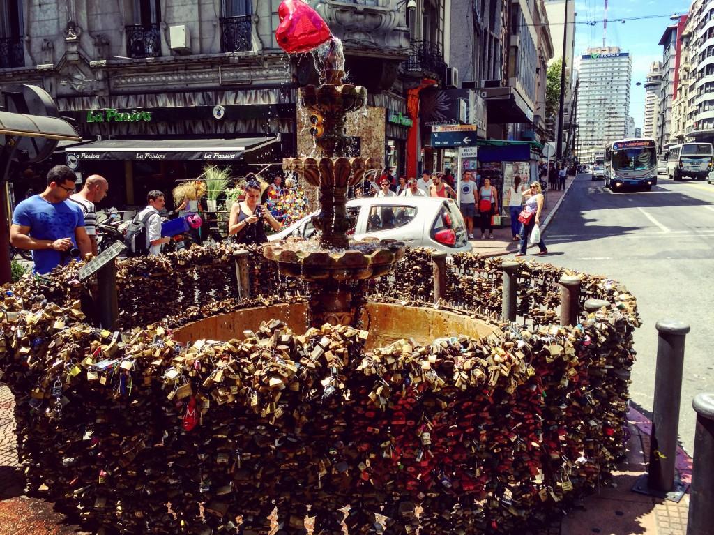 La folie des cadenas a également envahi Montevideo...