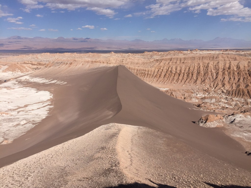 Une mystérieuse d'une de sable noire, vallée de la lune, Chili