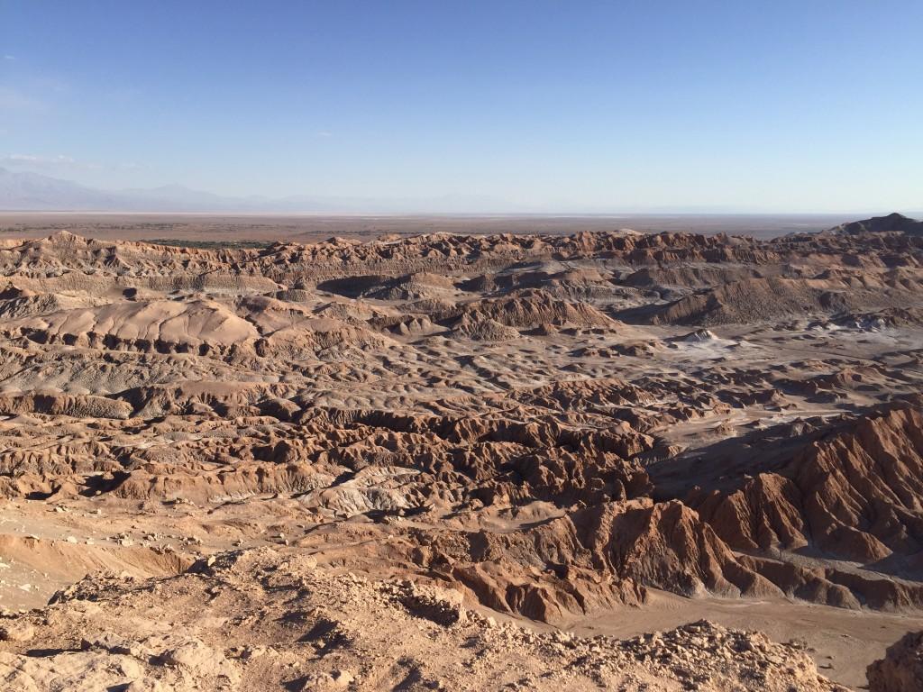 Une étendue désertique à perte de vue -Atacama