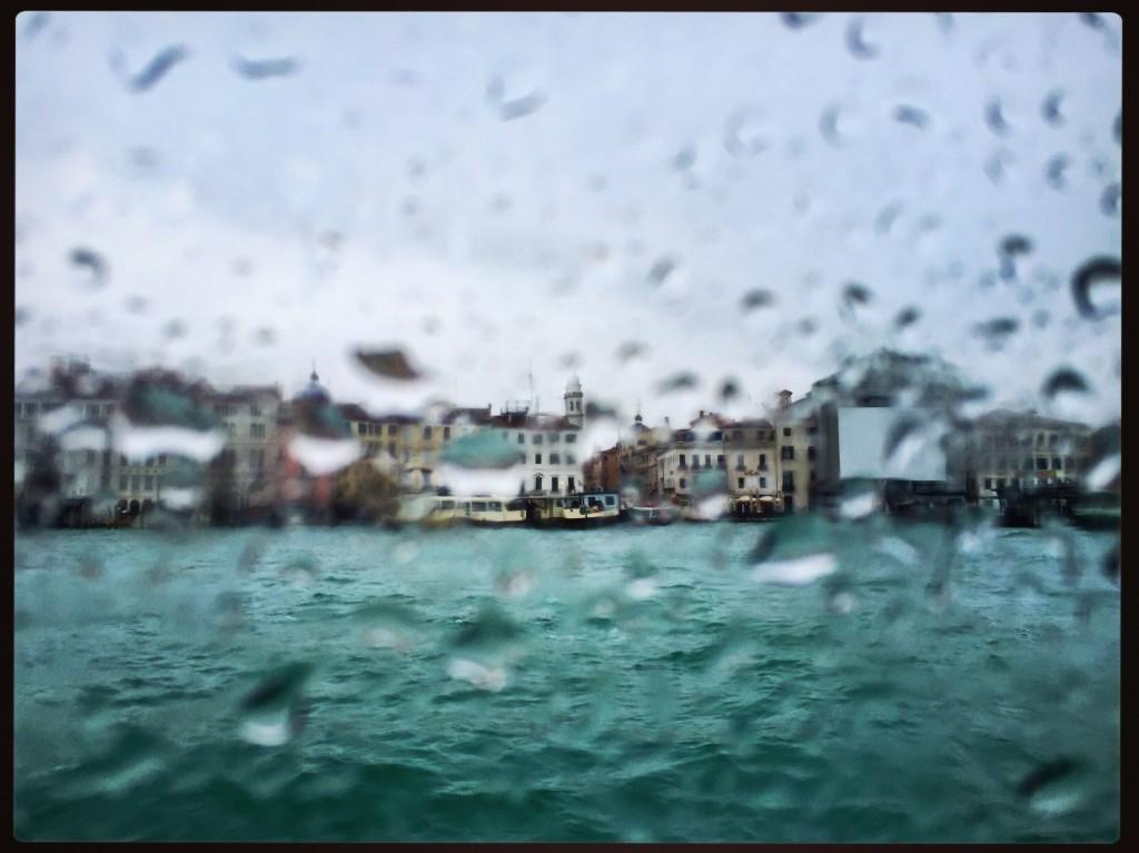 Venise sous la pluie et peut-être bientôt sous les eaux