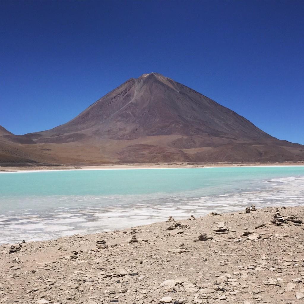 La laguna Verde et le volcan Licancabur