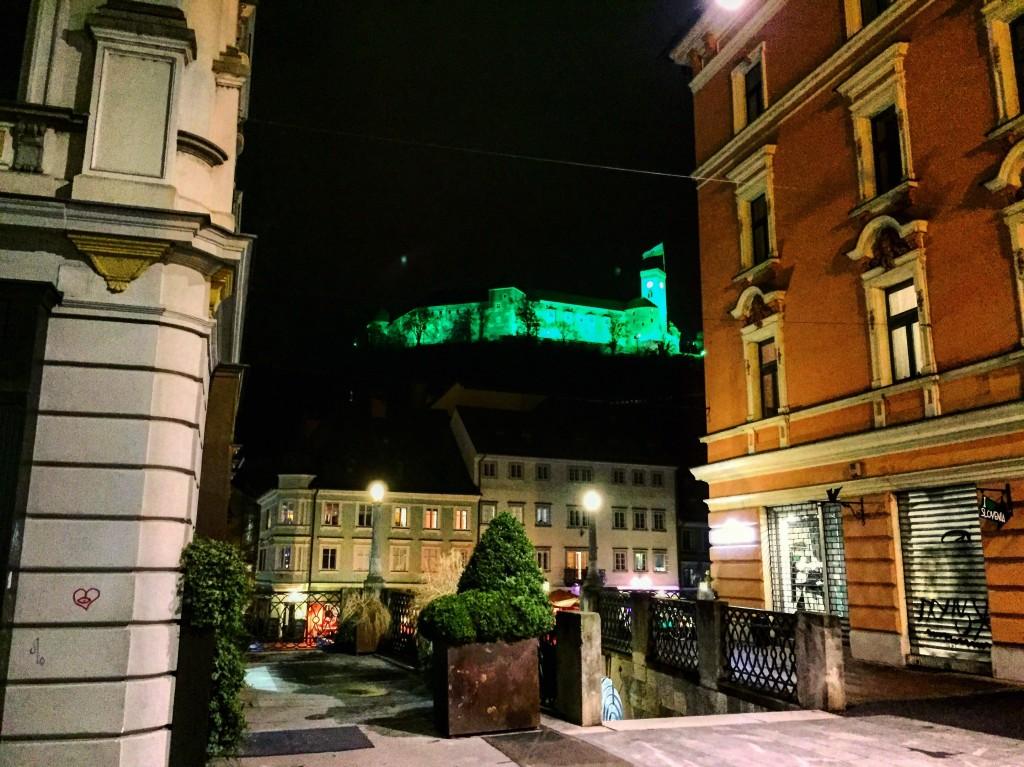 19. Le château fort de Ljubljana vue depuis la ville