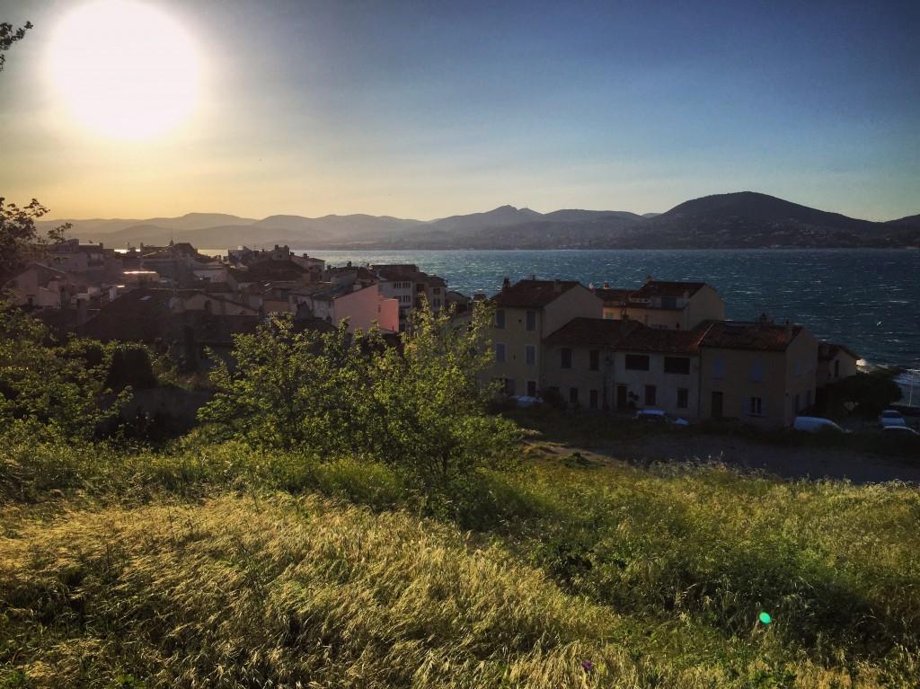 Les jolis reflets du soleil dans le golfe de Saint-Tropez