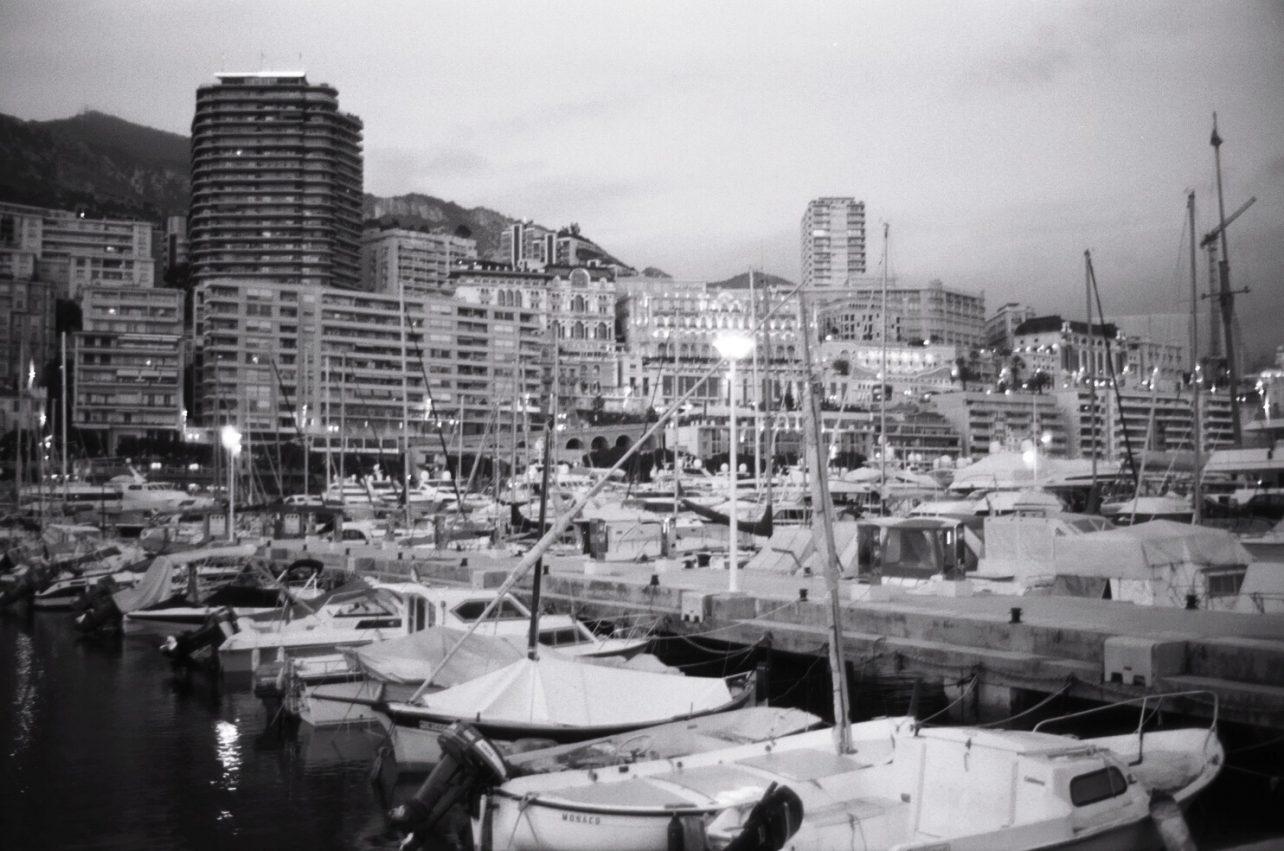 Monaco en noir et blanc et au Leica
