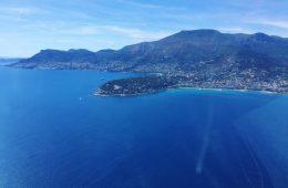 Les villes de Menton et de Monaco, côté à côte