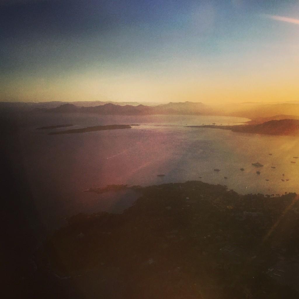 La baie de Cannes au coucher du soleil.
