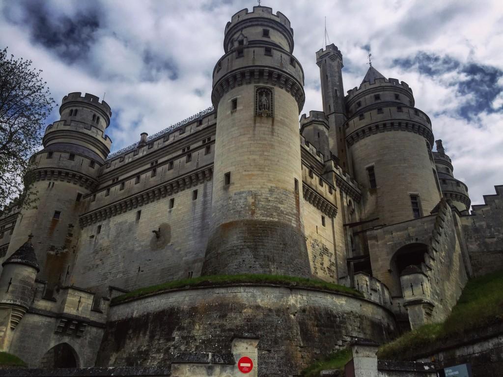 Au pied d'un château fort de l'Oise