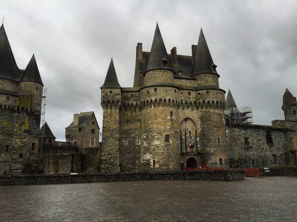 Vitré, dans le château se trouve la Mairie de la ville