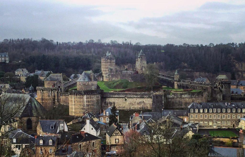 Le château fort de Fougères en Bretagne