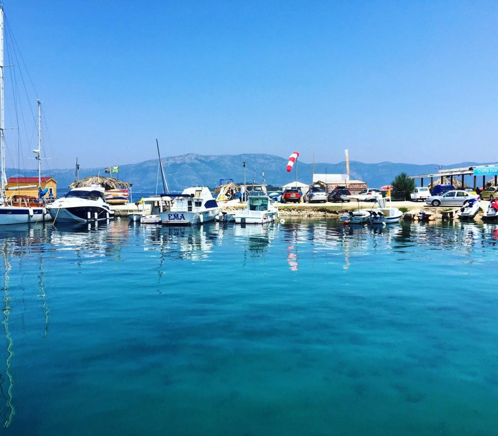 Le petit port de l'île de Korcula en Croatie