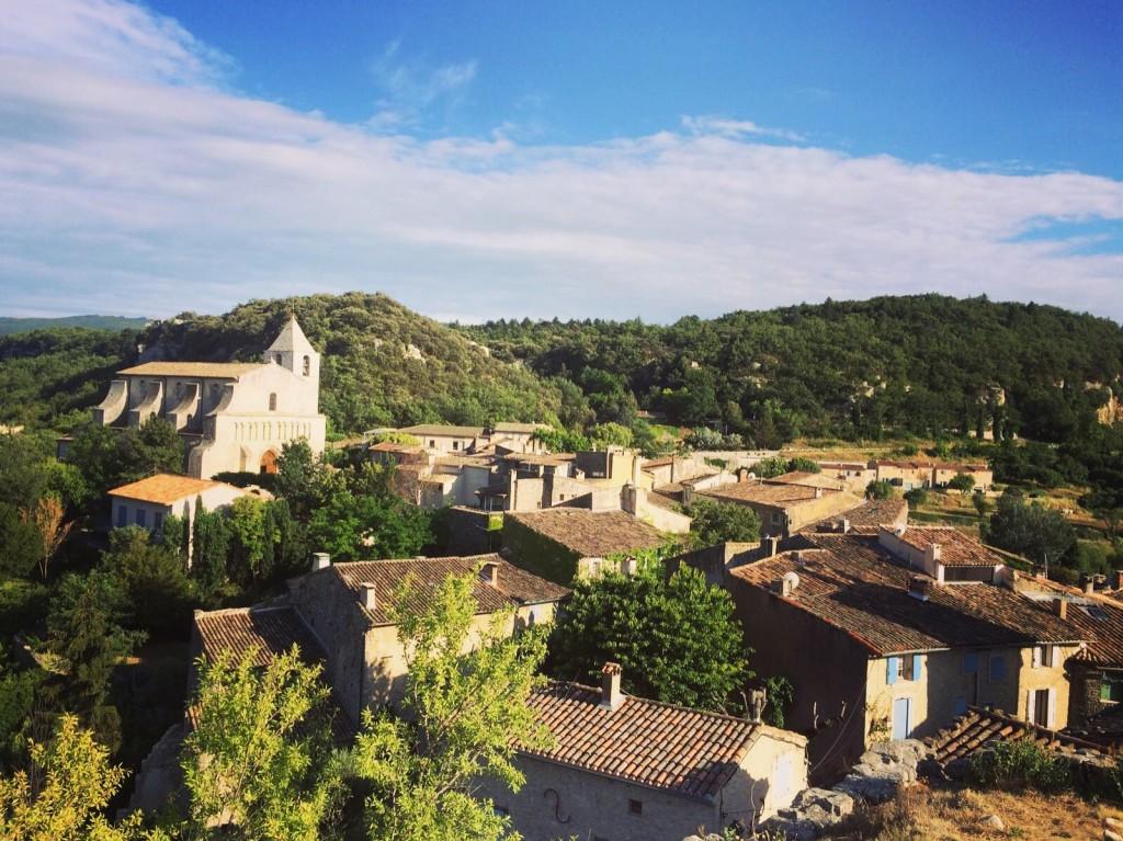 Le charmant village de Saignon dans le Luberon