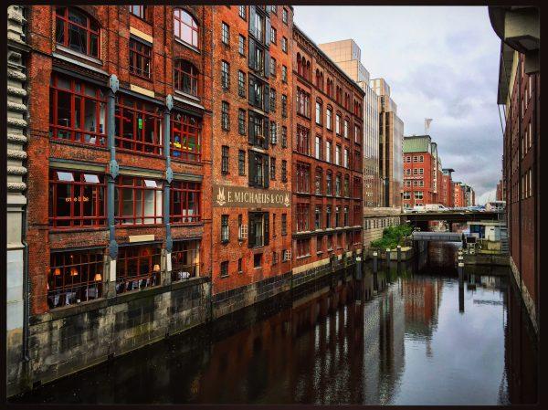 La belle ville d'Hambourg, l'une des plus grandes villes d'Europe