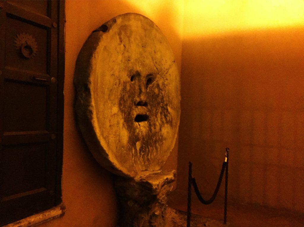 La pierre de la vérité, Rome
