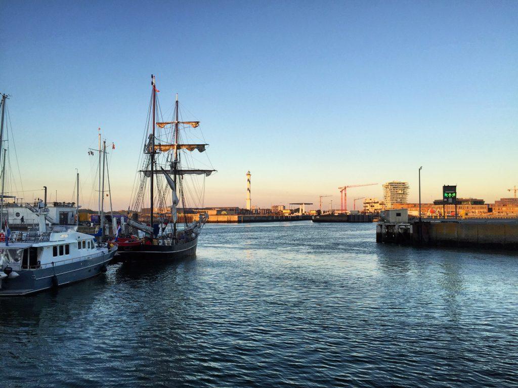 Le port d'Ostende un soir d'été