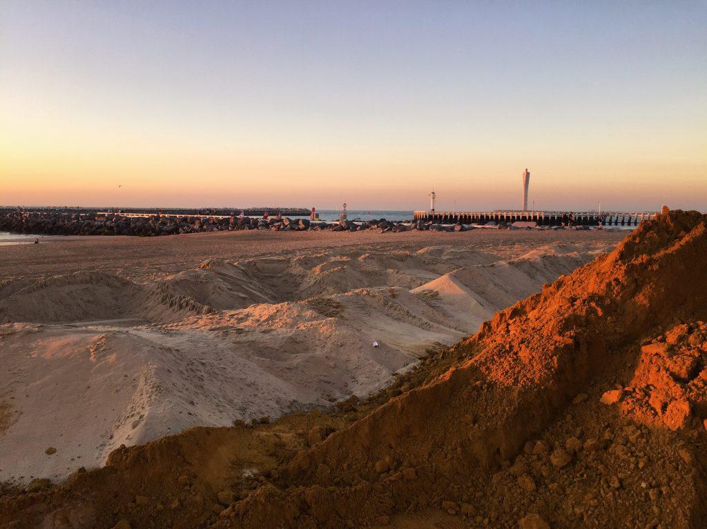 Mélanges de sables à Ostende