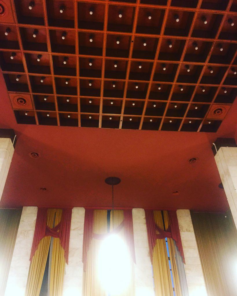 Incursion dans le palais des festivals du Lido, lors de la Mostra de Venise