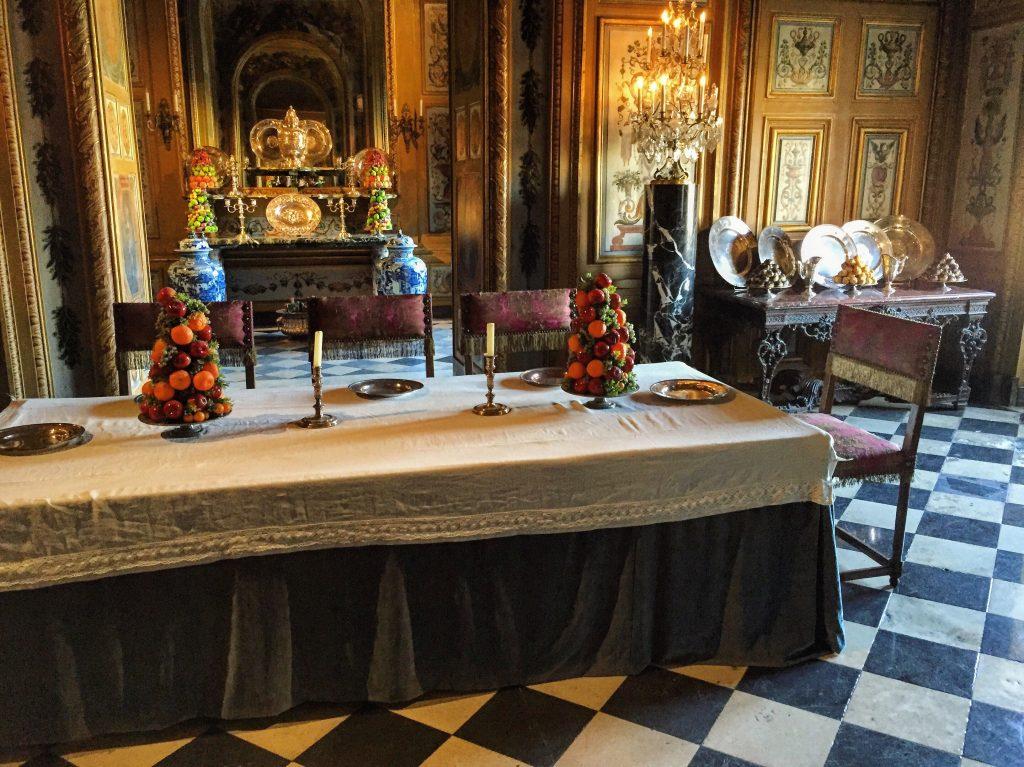 La salle à manger de Vaux le Vicomte