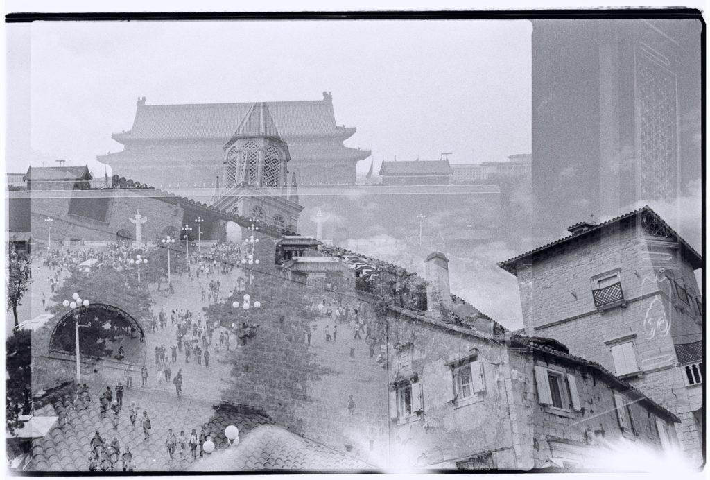 La Croatie et la Chine, deux pays se croisent en noir et blanc sur un film 24x36 mm