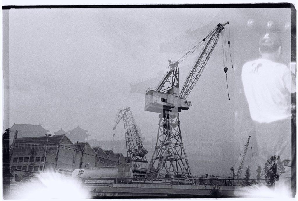 Les grues du port de Trogir et la cité interdite à Pékin