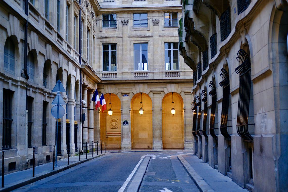 La splendide rue de Montpensier dans le centre de Paris