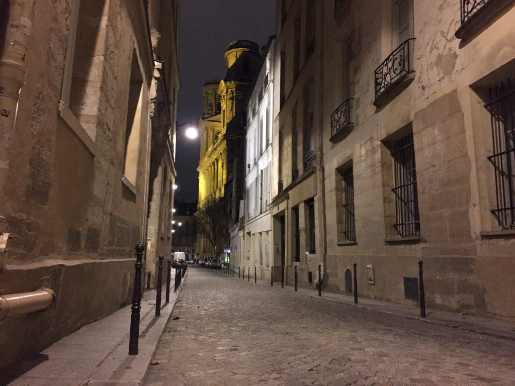 L'une des plus belles rues de Paris dans le 6 ème arrondissement