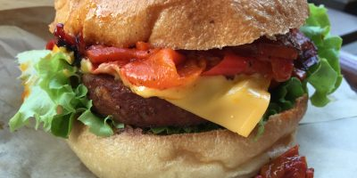 Burger basque, chez EastSideBurgers, le meilleur burger de Paris
