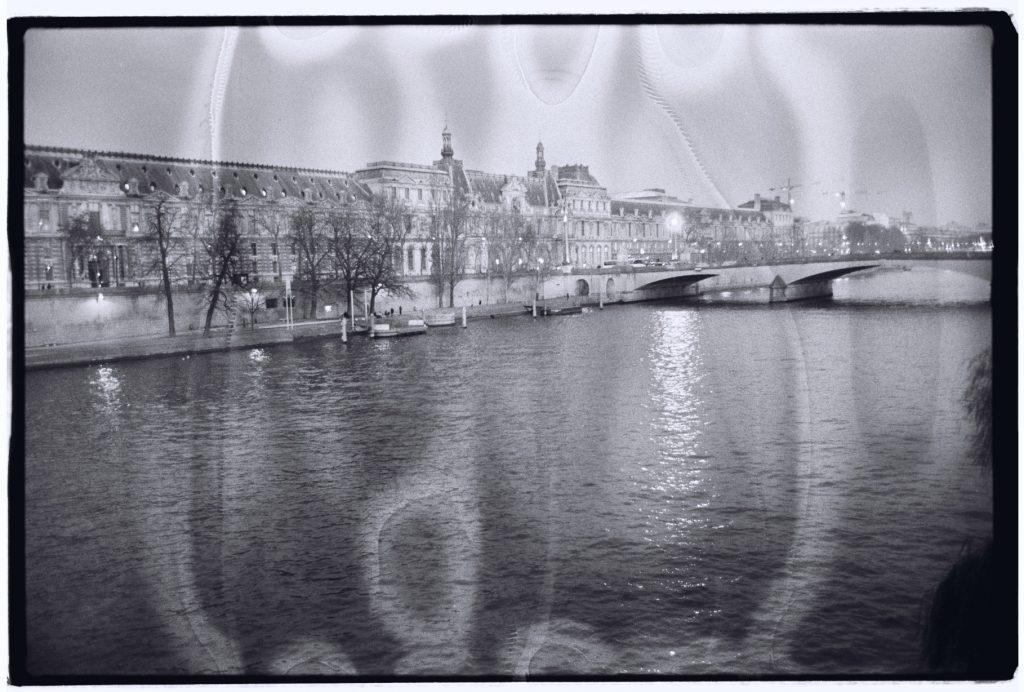 La Seine et le musée du Louvre, Paris